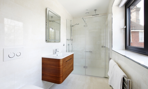 Image: Modern, deluxe guest ensuite
