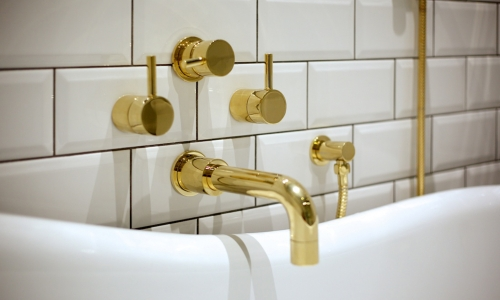 Image: Funky Gold and White Bathroom