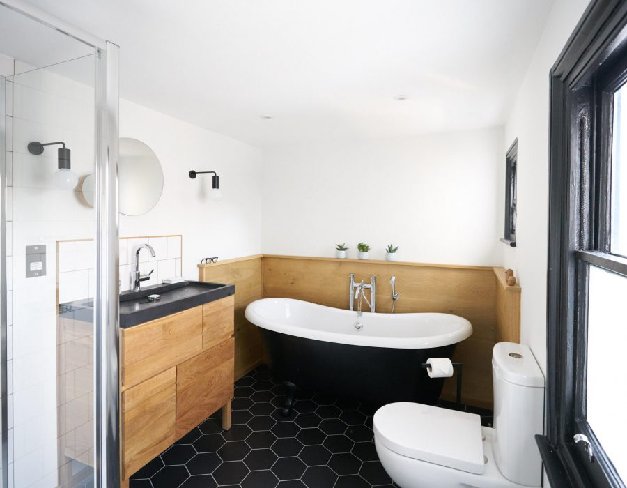 Attrayant Brighton: Monochrome And Oak, Scandi Style Family Bathroom