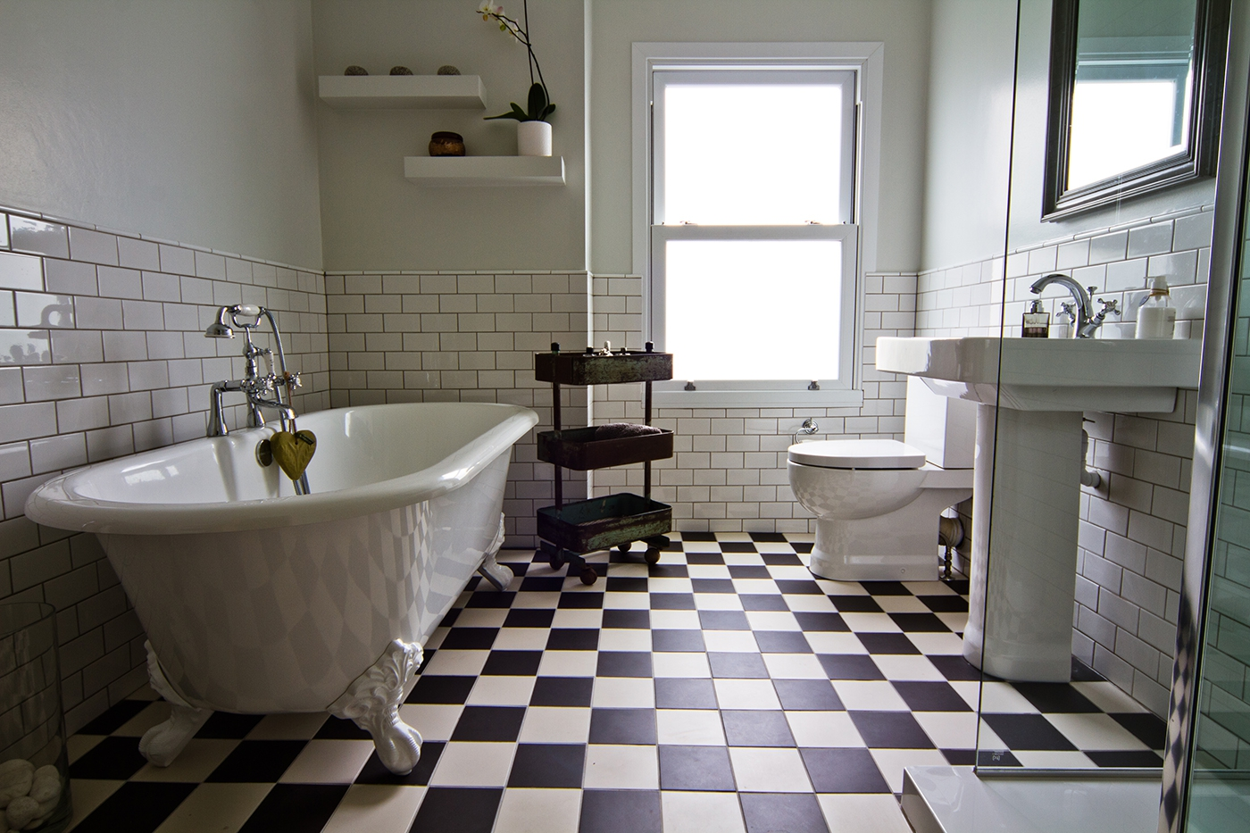 Elegant bathroom bathroom bathroom idea in london with for Bathroom renovations brighton