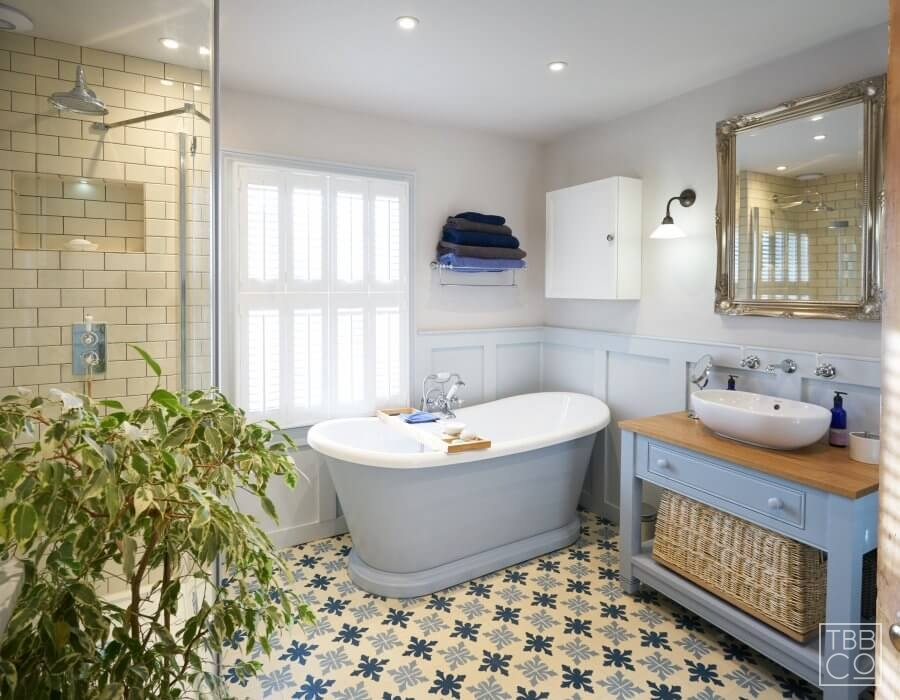 Ditchling Wood panelled main bathroom with encaustic